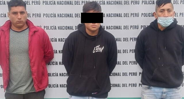 Detenidos fueron trasladados a la comisaría para las investigaciones.