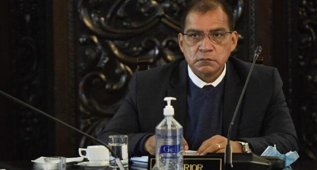 """Asociación Civil Transparencia considera """"insostenible"""" continuidad de Luis Barranzuela como ministro"""